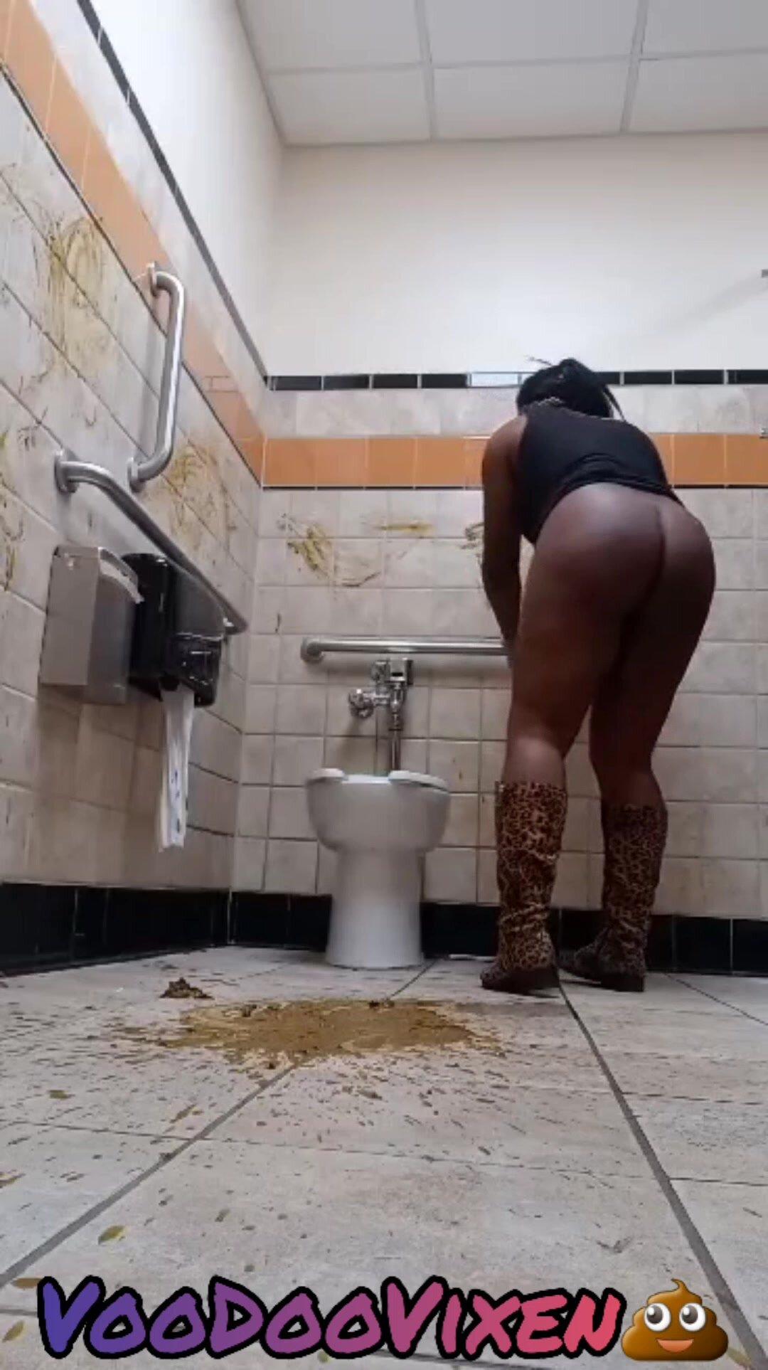 School Girl Bathroom Fuck