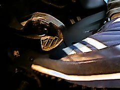 ADIDAS ALASKA AT THE GAS