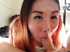 Asian chick deepthroat and a facial