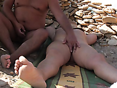 Wife gets fingered at the beach