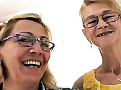 Old ladies in a lesbian fuck