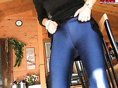 another leggings piss