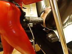 Rough mistress tests her slave's limits