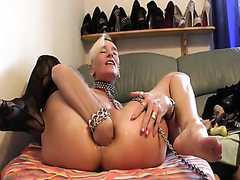 Kinky mature blonde playing with her asshole