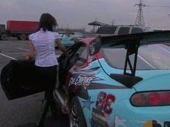 Blouse unbuttoned while crazy race