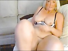 Chubby blonde milf rubbing her pussy