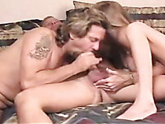 Horny amateur bisexuals in a threesome