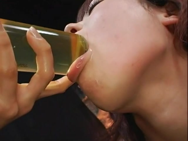 clips Piss drinking