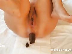 Random Shit 22 - Girl shitting an enormous turd