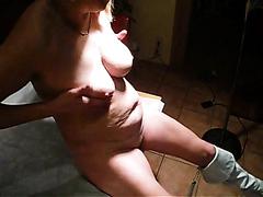 Kinky mature slut enjoys having her juicy snatch pummeled