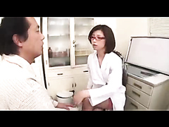 Doctor fixes problems with her pussy