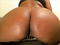 Foxy ebony wench shows off her big black ghetto booty