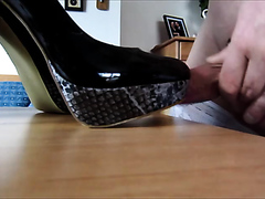 schwanznutte fickt und besamt high heels der tochter
