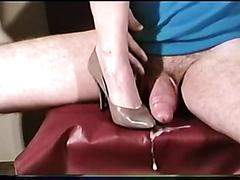 Kinky studs enjoy cumming really hard on high heels