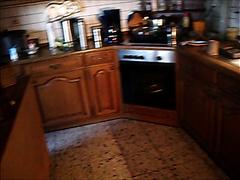 In der Einbauküche in die Schublade gekackt