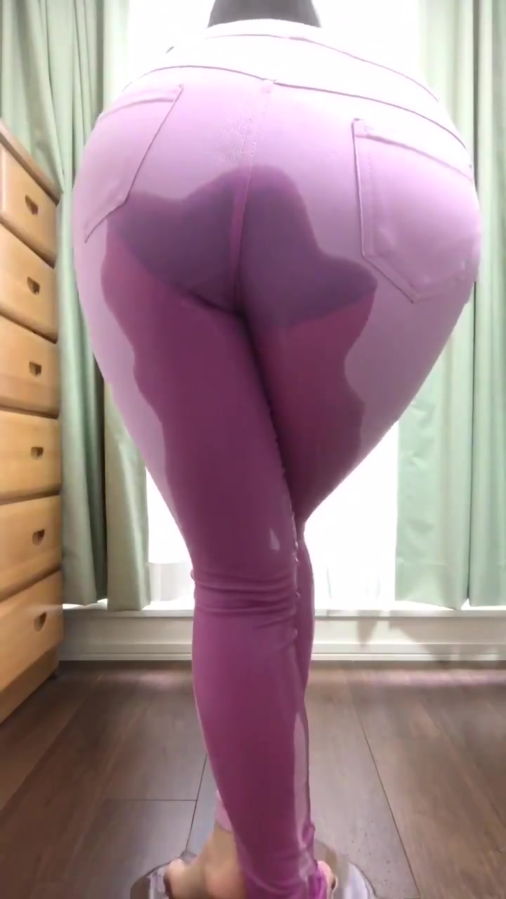 Hot chicks peeing in their yoga pants Blonde Girl Peeing Pants Free Sex Pics Hot Porn Photos And Best Xxx Images On Www Pornanswer Com
