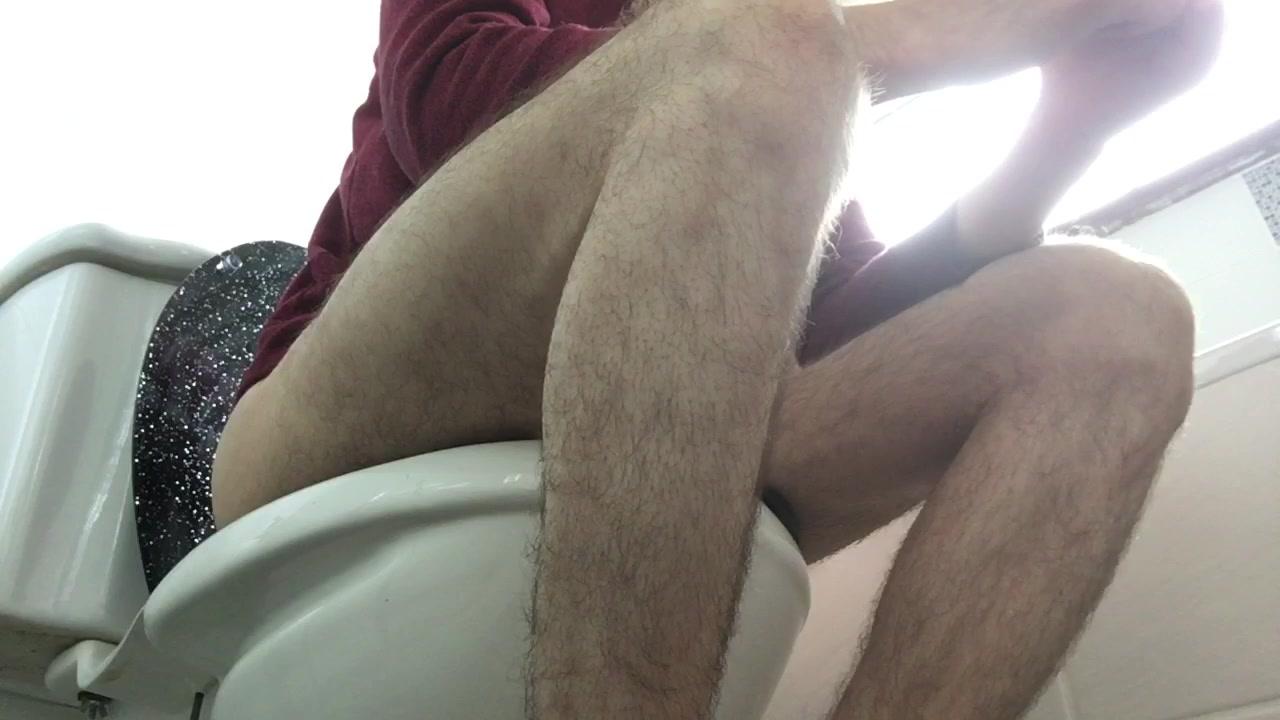 diarrhea and fart on toilet