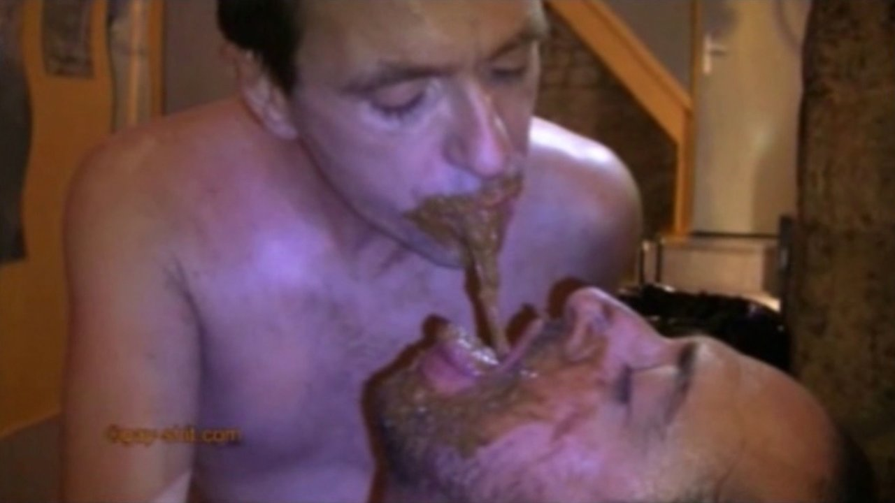 Hot scat kissing - video 2
