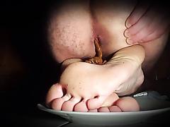 Pooping on his feet again