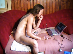 GERMAN HOUSEWIFE WEBCAM DIARRHEA SHITTING SESSION
