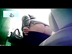Mature women caught farting while peeing - part 1