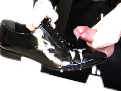 Gentleman Cum A Big Load On His Shoe