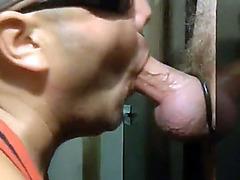 Gloryhole master makes a blowjob