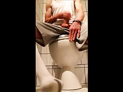 Str8 fitness guy jerk in toilet