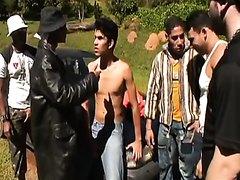 Gang Bang pour un jeune batard