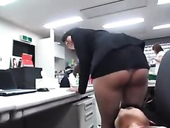 Office lady farting on co-workers