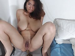 Mature amateur with nice big tits takes a poop solo - part 1