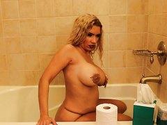 Gianna Scat Show