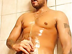 Shower piss & jerk 4