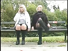Pissing girls - video 2