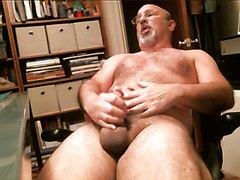 Hairy Dadbear Masturbating