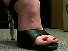 Busty milf makes high heels and foot fetish porn