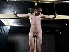Quentparis -  Souffrance bandante du crucifié sexy