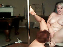 Curvy webcam girls eat pussy and dance for you