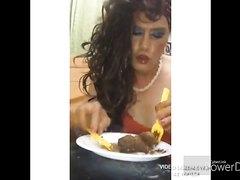 scatqueenleila  eat kack wurst
