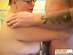 Fat MILF gets Fucked by tatted Older Guy