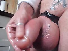 Suction pump play makes his balls gigantic