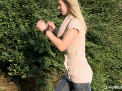Love Wetting Violeta - video 2
