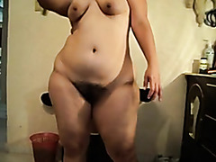 Naked fat ass girlfriend flashes her thick booty