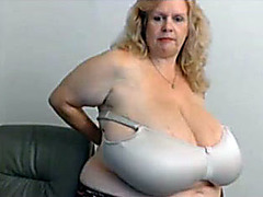 Webcam show with fat blonde mom