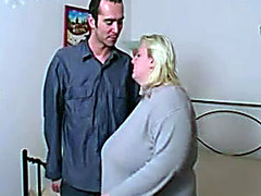 BBW couple makes hardcore porn in bed