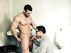 Young J*axton Toilet Sex