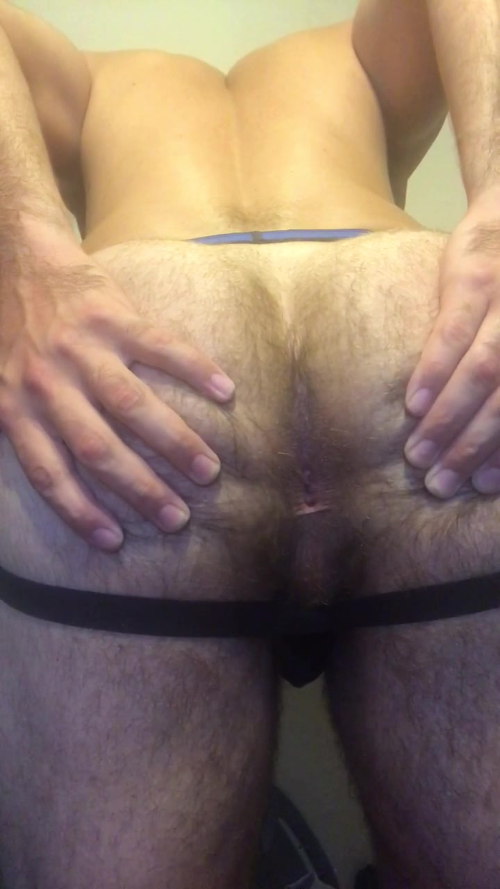 GORGEOUS HAIRY MAN SHOWS OFF