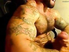 Muscle Eddie jerk