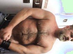 Mr Kristofer Jacks Off in Plane