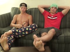 Hot jocks show off their huge perfect feet